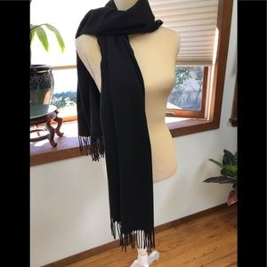 Reemonde Large soft black cashmere-like shawl